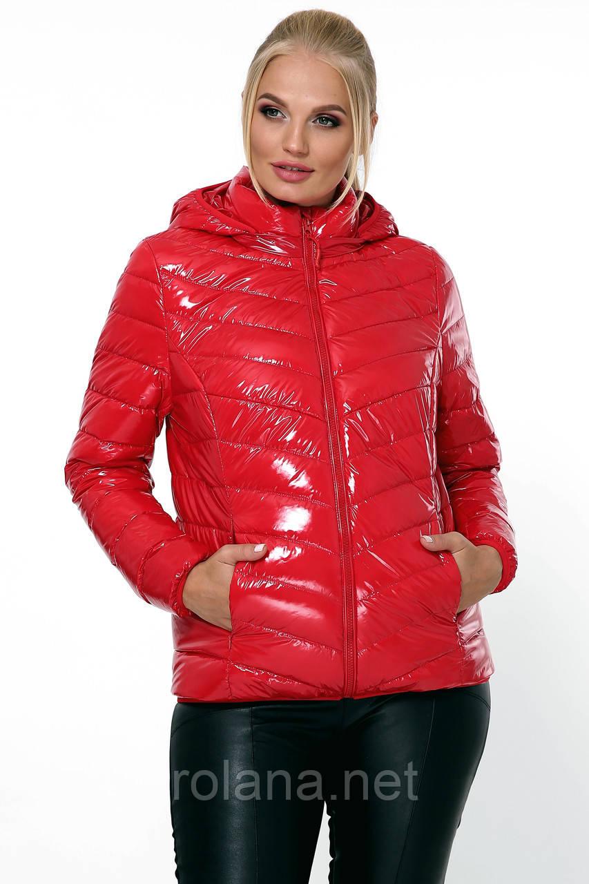 """Яркая женская куртка на молнии. """"Красный"""""""