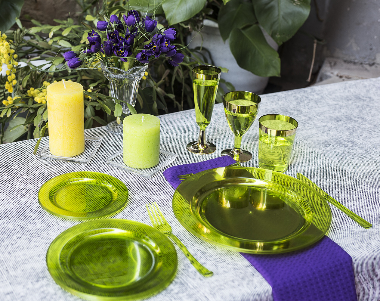 Посуда одноразовая  для детских праздников. Полная сервировка стола 84 шт 6 чел