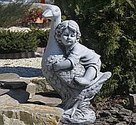 Садовая фигура для сада Мальчик с гусем серый 38X28X59cm