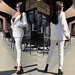 Женский брючный костюм с зауженными брюками и пиджаком 5810138, фото 3