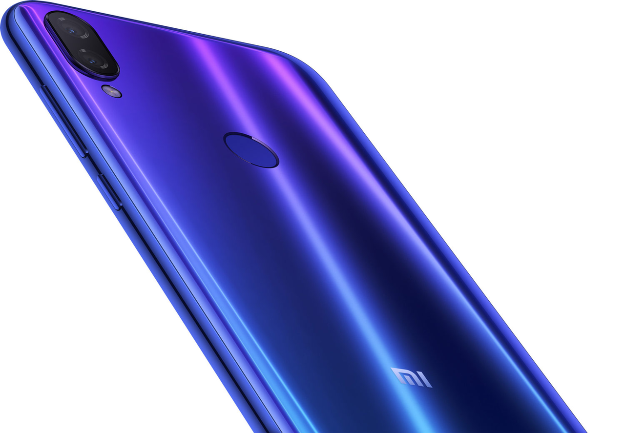 Глобальная версия Xiaomi Mi Play 4/64Gb синий с защитным чехлом