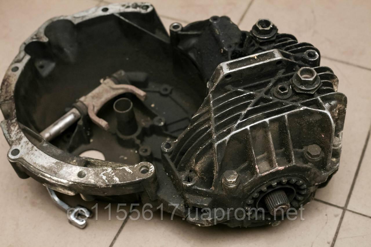Корпус коробки переключения передач 2.5D б/у на Renault Trafic год 1980-2001, Opel Arena год 1997-2001