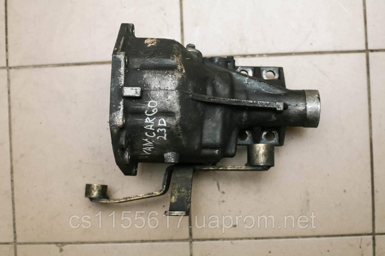Корпус КПП зад 2.3D Nissan Vanette C23 1991-2001