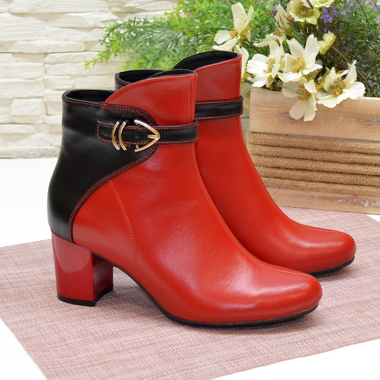 Ботинки кожаные демисезонные на невысоком каблуке, цвет красный/черный