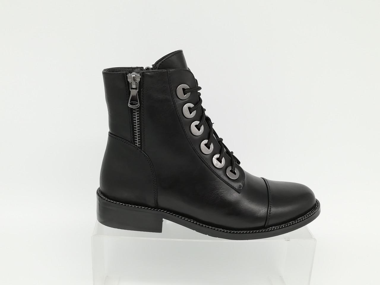 Черные кожаные ботиночки на каблуке ERISSES. Маленькие размеры.