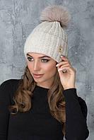 Теплая шапочка с помпоном Муза светло-бежевая