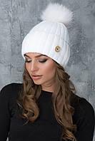 Белая шапочка с помпоном Муза