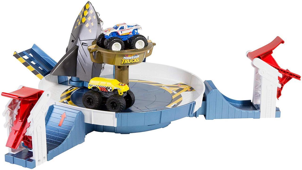 Трек Хот Вилс Опасное противостояние Hot Wheels Monster Trucks Mecha Shark Face-off Playset