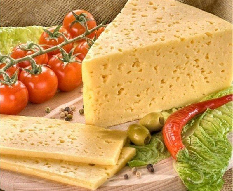 Сыр твёрдый ТМ РУЖЕН 50% жирности (Каланчатский) 1кг