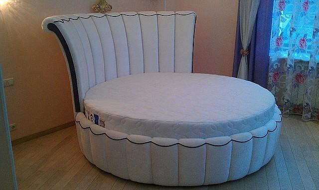 Круглая кровать Елизавета. Производство круглых кроватей в Киеве.