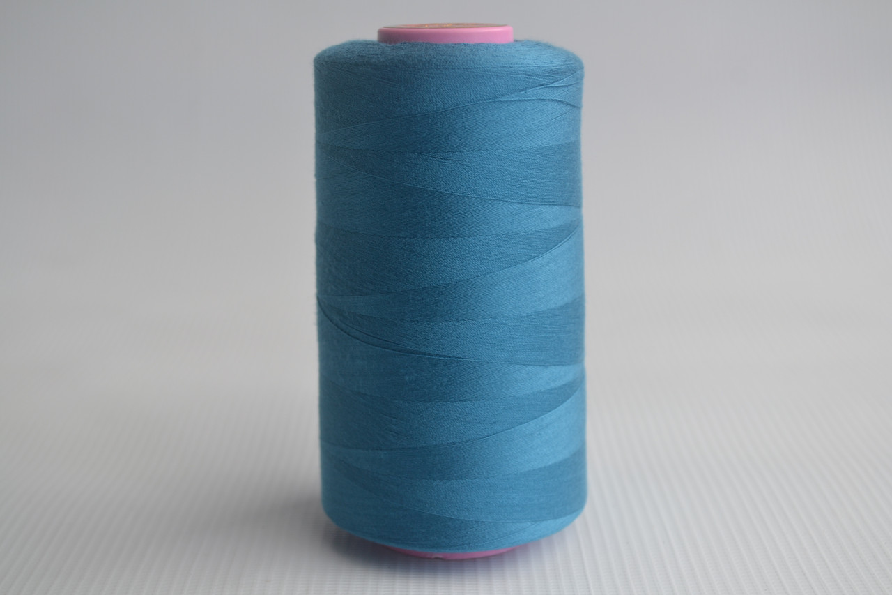 Швейные нитки разных цветов 857
