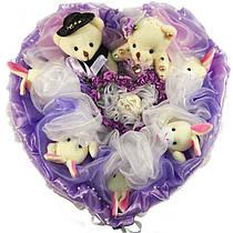 Букет из мягких игрушек Сердце с мишками и зайками