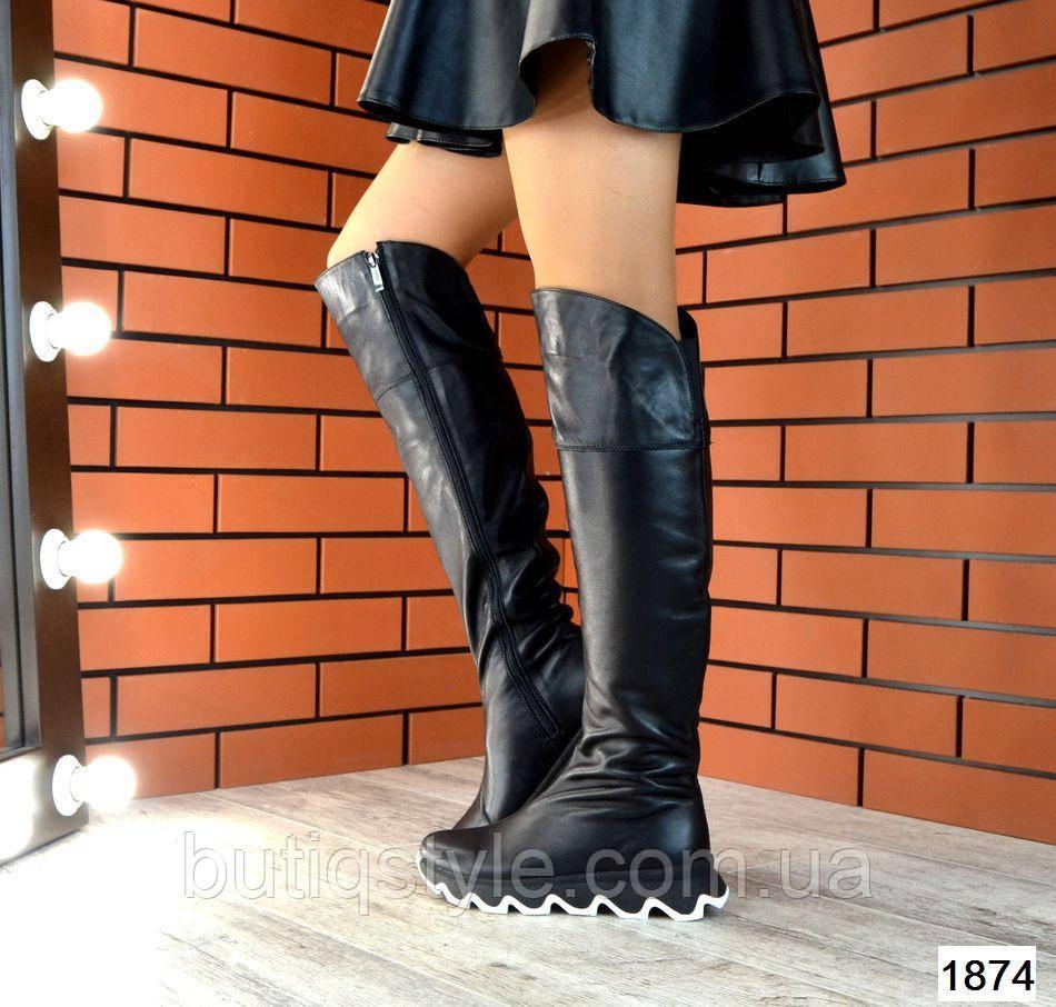 Черные женские ботфорты натур.кожана фигурной платформе зима