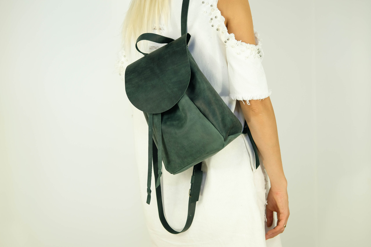 Кожаный рюкзак на затяжках с свободным клапаном Винтажная кожа цвет Зеленый