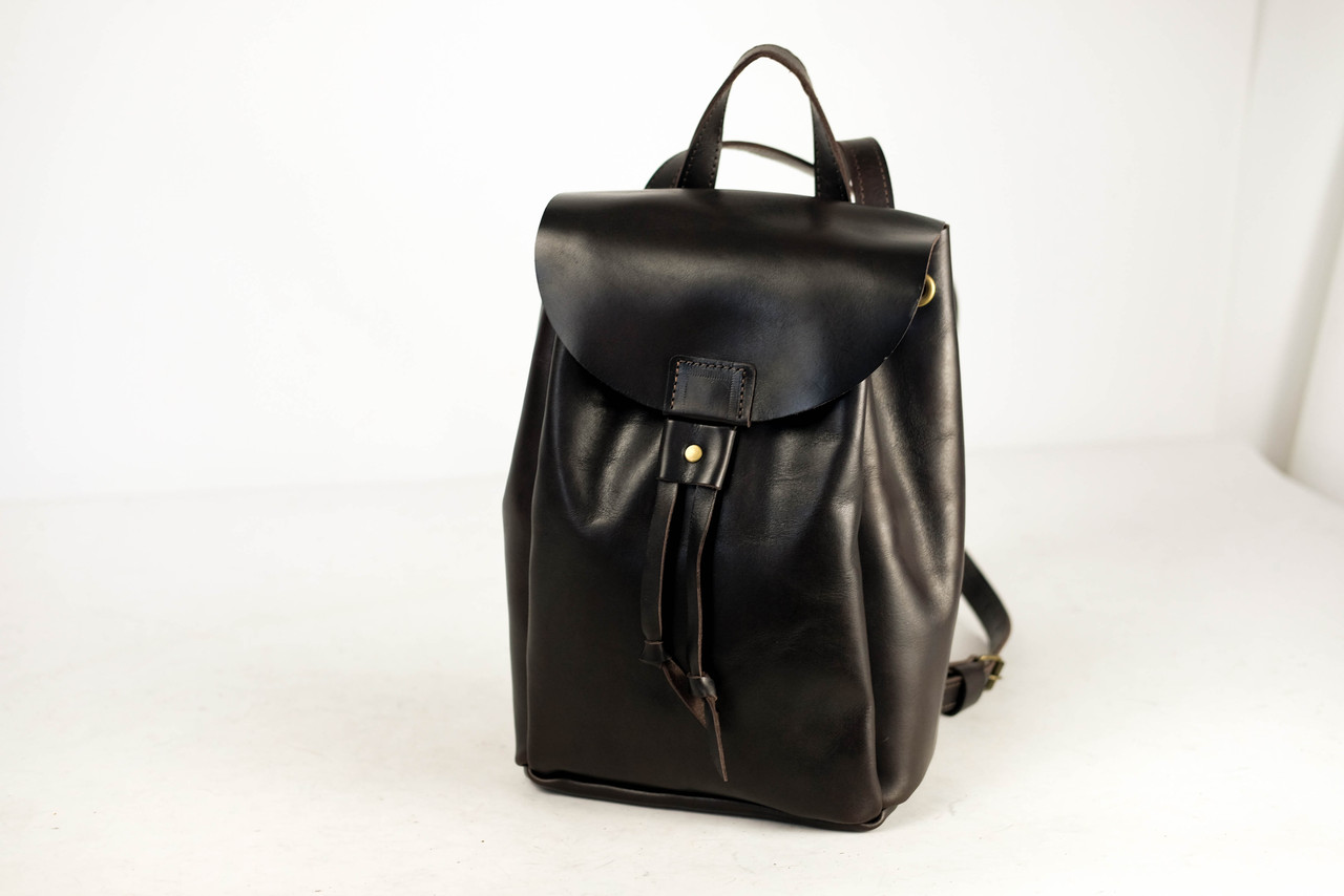 Кожаный рюкзак на затяжках с магнитом, размер средний Кожа Итальянский краст цвет Кофе