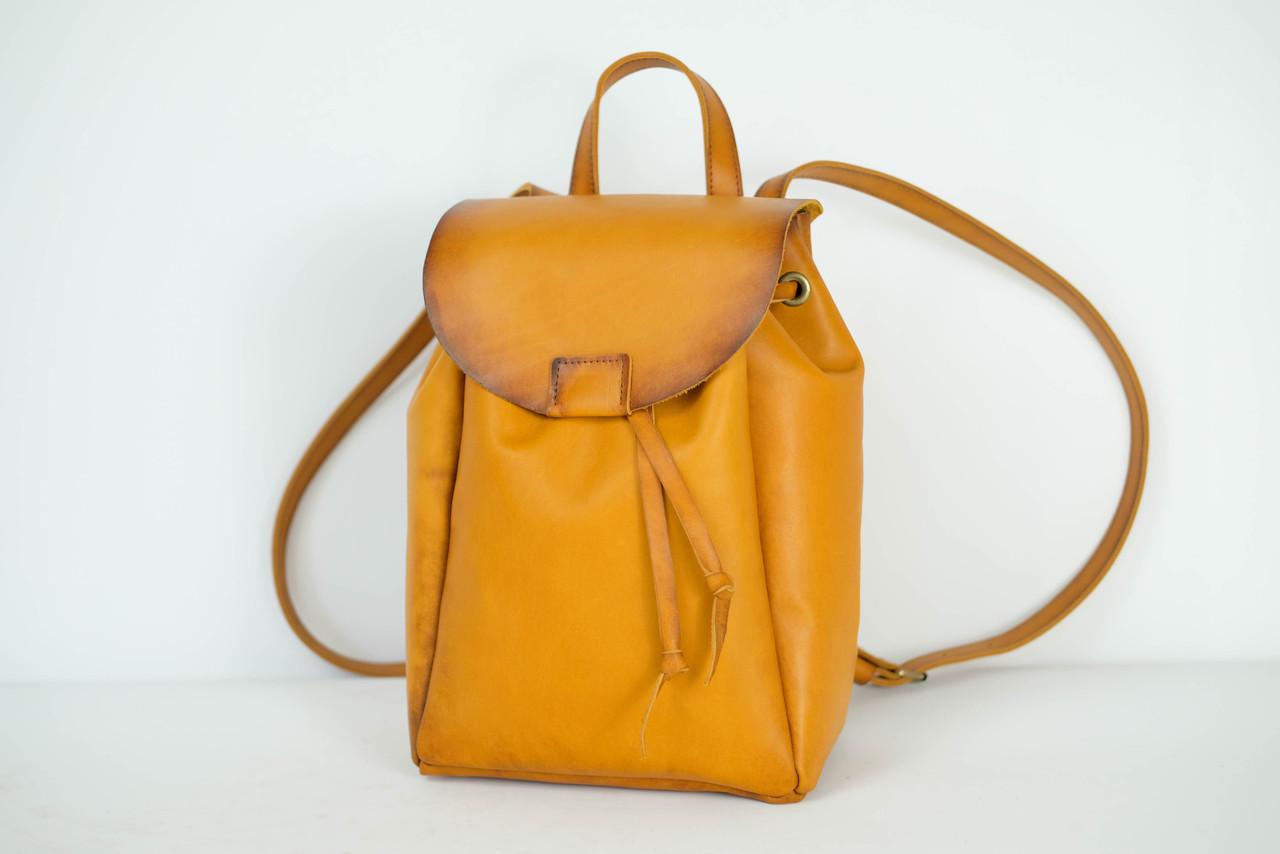 Рюкзак на затяжках с магнитом, размер средний Кожа Итальянский краст цвет Янтарь