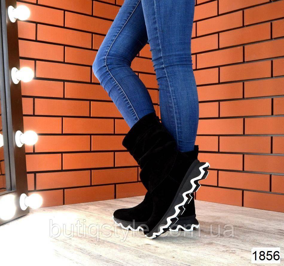 Зимние черные женские сапожки натур.замшна фигурной платформе