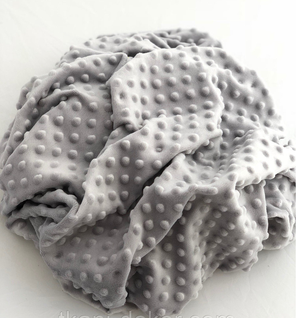 Плюшевый чехол на кушетку 80 см на 200 см - светло -серый в пупырышку