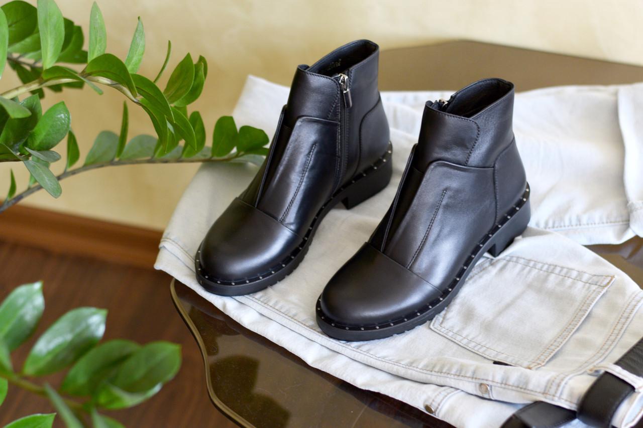 Черные кожаные ботинки с резинкой спереди Atomio Lardini