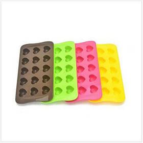Форма силиконовая для шоколадных изделий и льда на 15 ячеек.