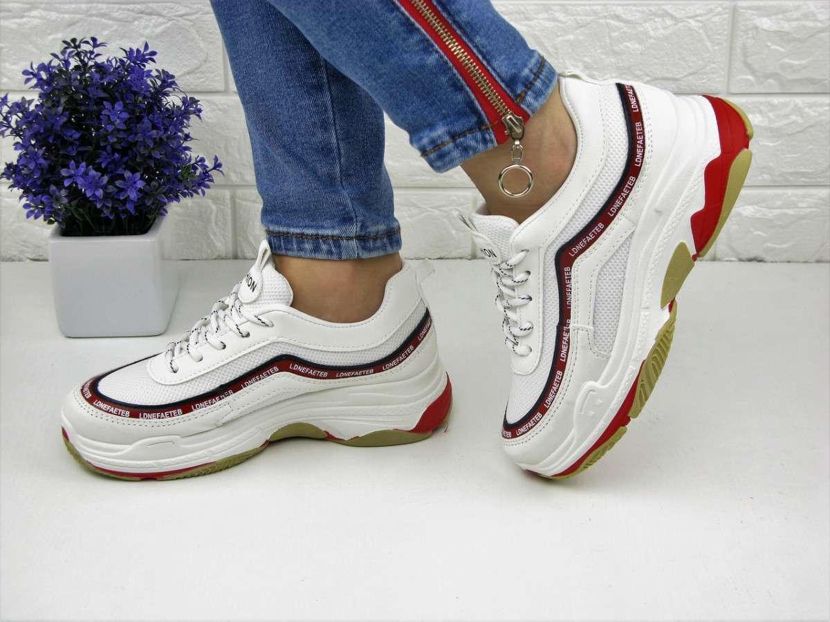 Женские белые кроссовки Fashion 1072