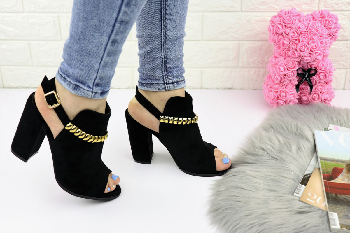 Женские стильные босоножки Zara на каблуке 1162