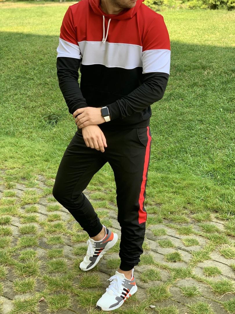 Мужской спортивный костюм с капюшоном черно-бело-красный
