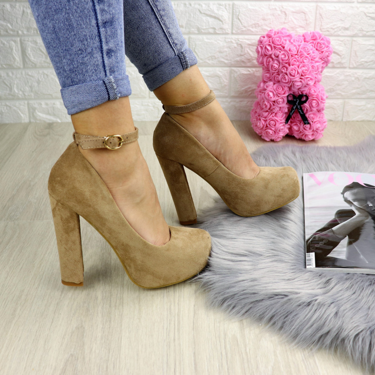 Туфли женские Rich бежевые на каблуках 1241