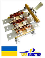 Разъединитель  РЕ19-31-311100 100А трехполюсный переднего присоединения с центральной рукояткой