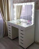 Широкий гримерный столик со столешницей-витриной, столик для макияжа