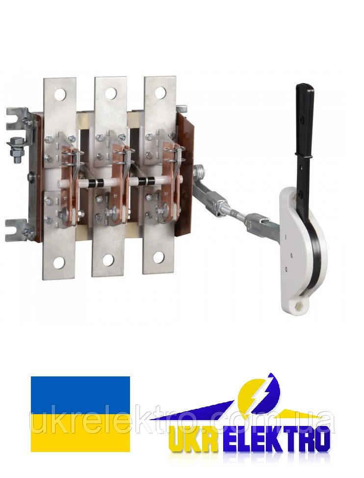 Разъединитель РЕ19-31-311400 100А трехполюсный переднего присоединения с боковым смещенным приводом