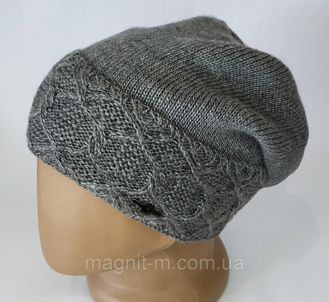 Женская теплая шапка с напуском.  Флисовая подкладка. Серый цвет.