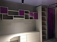 Шкаф купе с фотопечатью столом комодом и надстройкой над столом, фото 1