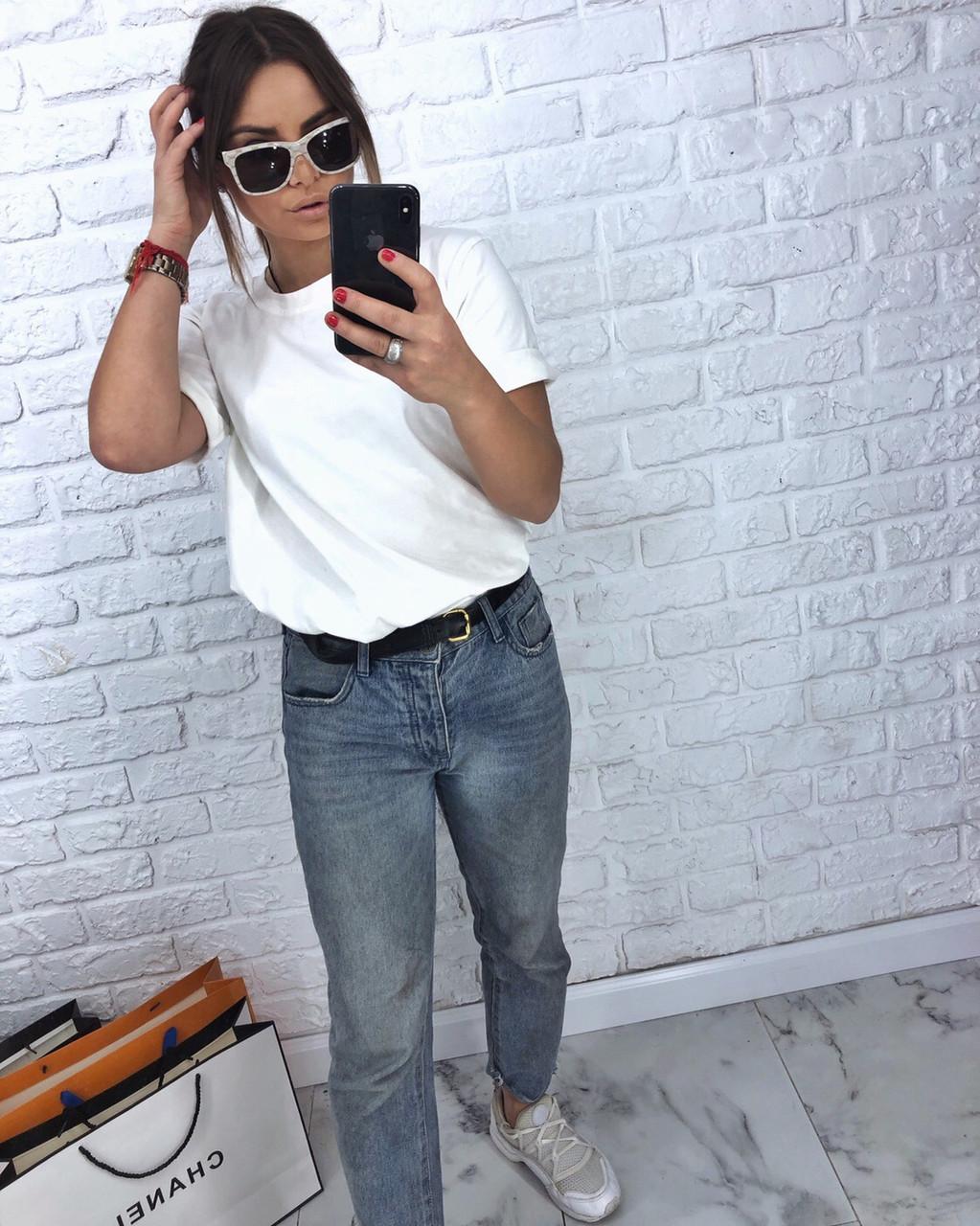 Свободная женская футболка со спущенным плечом tez317188