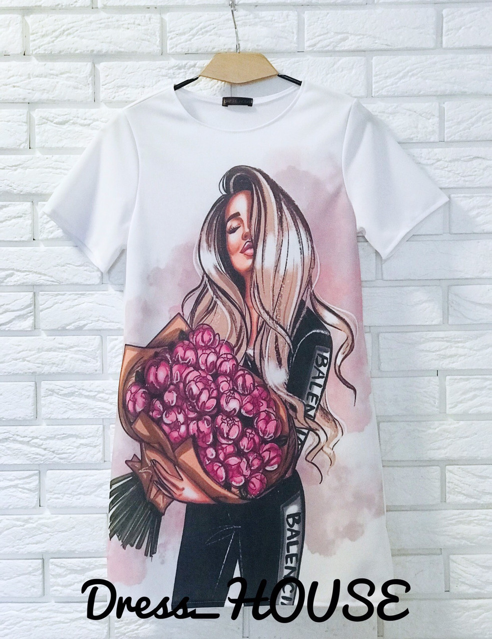 Женская белая футболка на лето с рисунком tez517236