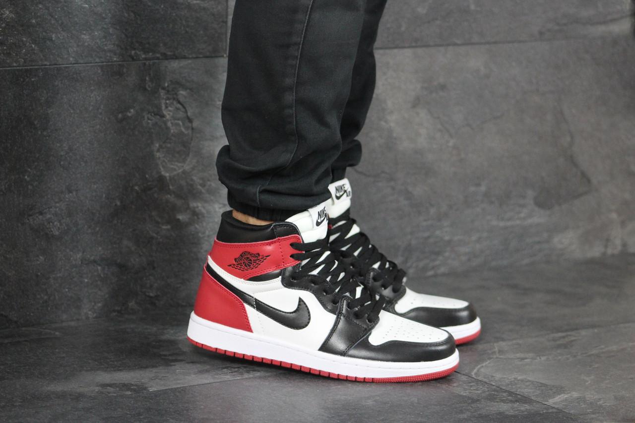 Кросівки чоловічі в стилі Nike Air Jordan 1 Retro High OG  чорні з білим\червоні   ТОП якість