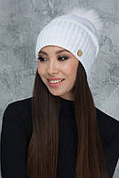Белая зимняя шапочка Рубина