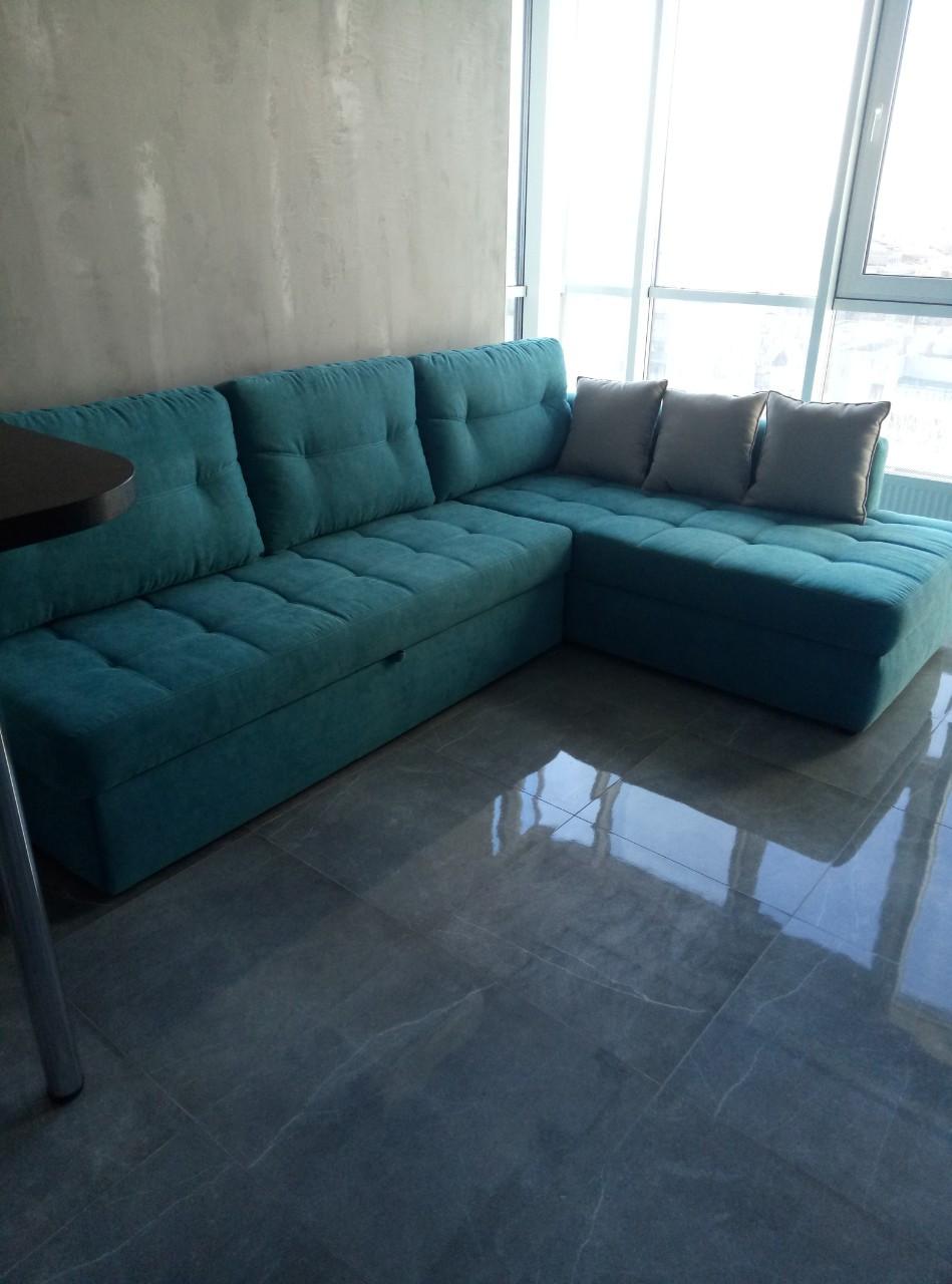 Мягкий угловой диван Бирюза. Угловой диван на заказ.