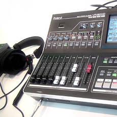 Професійне аудіо-, відео-, фото обладнання