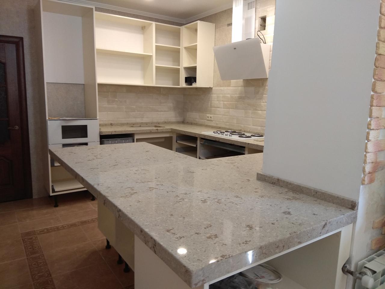 Стільниця на кухні з штучного каменю АВАНТ 9010