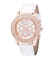 Женские часы  Geneva,корпус украшен камнями c белым ремешком