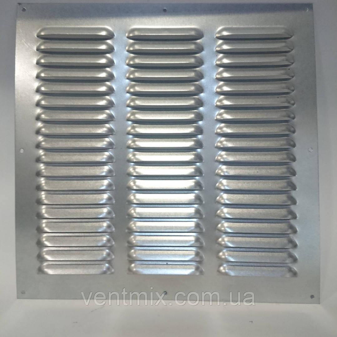 Вентиляционная решетка из оцинкованной стали 300 мм х 300 мм