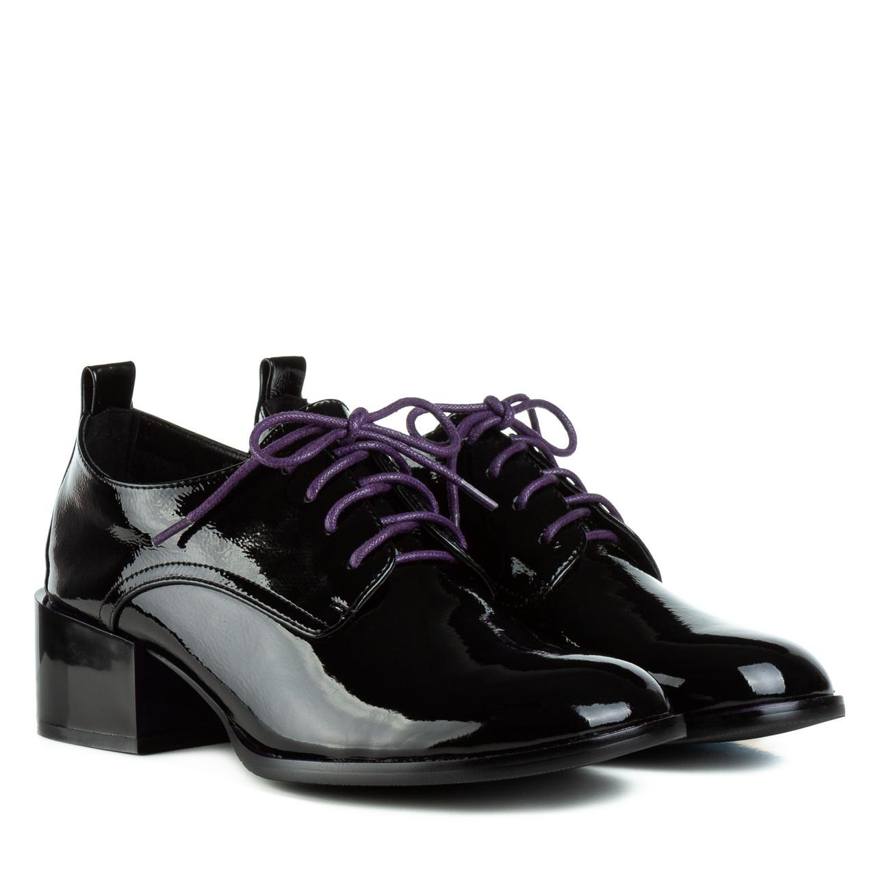 Туфли женские Geronea(кожаные, лакированные, черные с фиолетовыми шнурками)