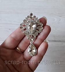 Брошь со стразами, брошь серебро с камнем, брошь с подвеской, брошь свадебная, размер 38*65 мм, цена за шт