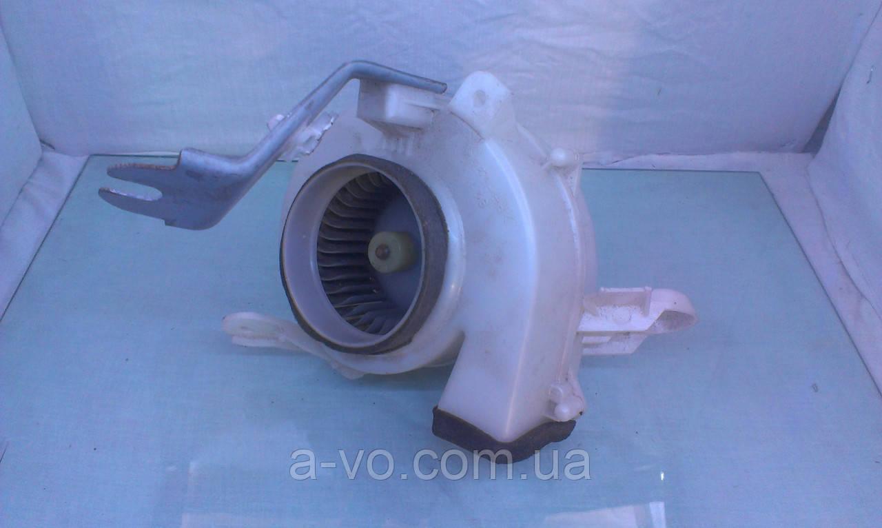Вентилятор моторчик печки для Toyota Prius NHW20, 8713047070