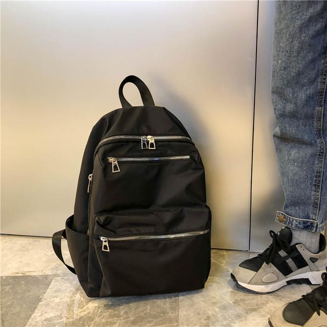 Нейлоновый рюкзак для девушки черный