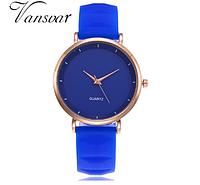 Кварцевые женские наручные часы синего цвета с мягким силиконовым ремешком