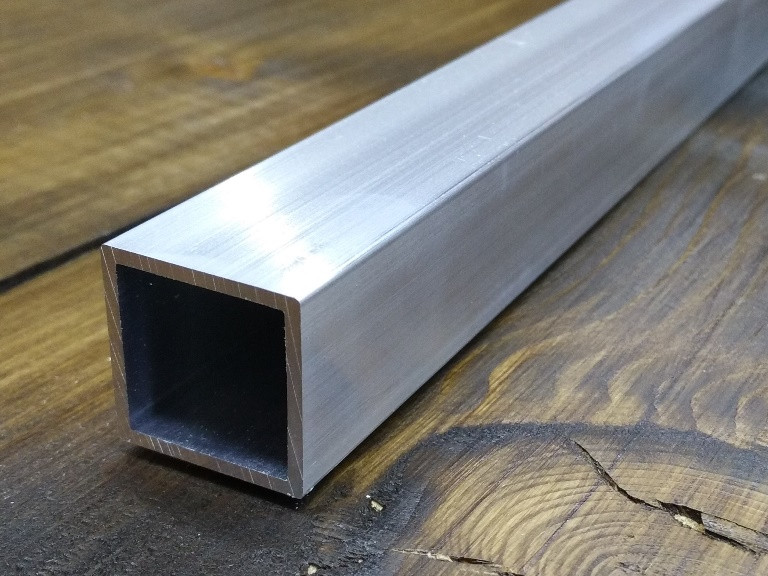 Алюминиевая труба 20х20х1,5 / без покрытия. Квадрат