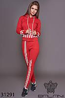 Спортивный женский костюм красный брючный