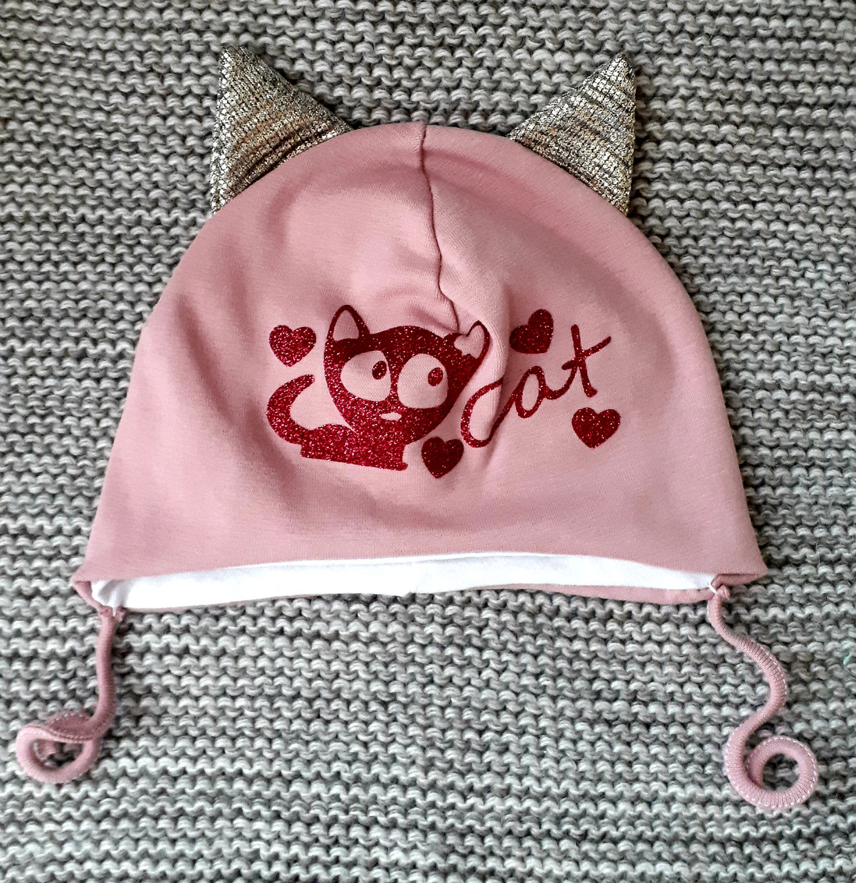 Шапочка на девочку с завязками розового цвета  кошечка ТМ  (Польша) размер 42 44